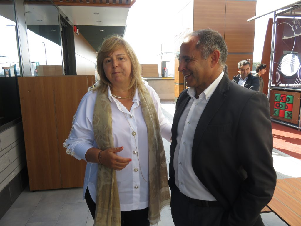Regina Alves e o proprietário da Manuaço, José Fernando