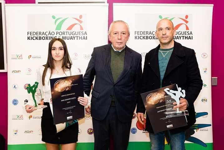 Ana Leonor Costa com o treinador António Teixeira e o ex-provedor da Misericórdia de Lisboa